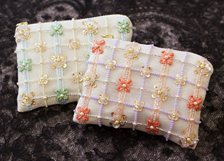 オートクチュール刺繍のポーチ