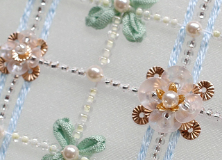 ソレイユスパンコールの刺繍