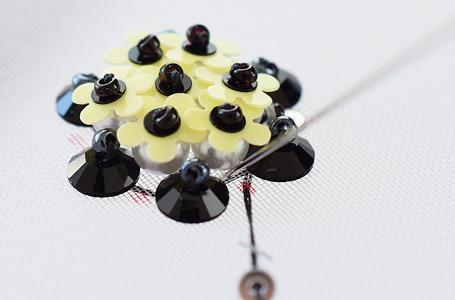2mmスパンコールの刺繍のやり方