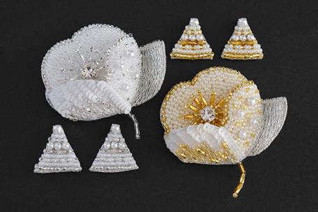 オートクチュール刺繍のポピーブローチ
